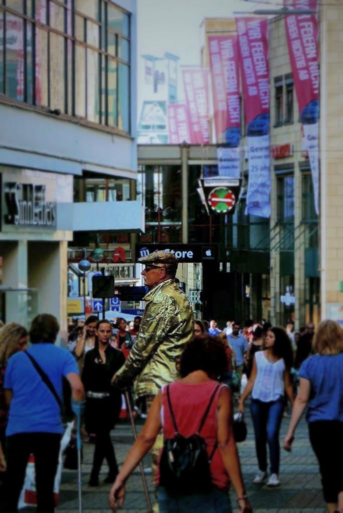 der goldene mann auf der kortumstraße
